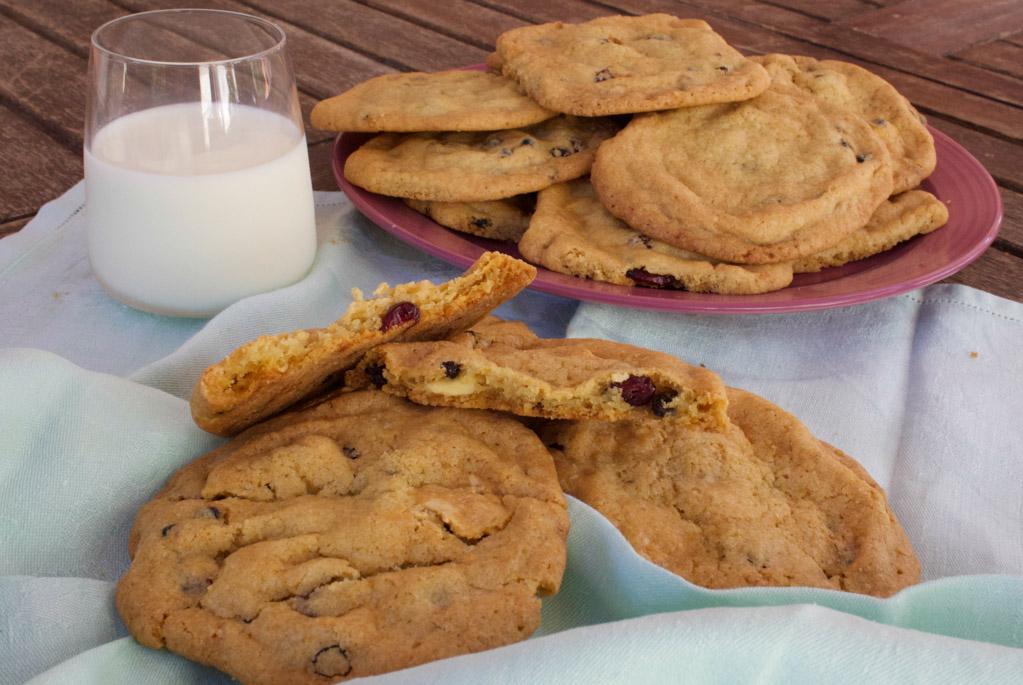 cookies_cioccolato_bianco_e_frutti_rossi