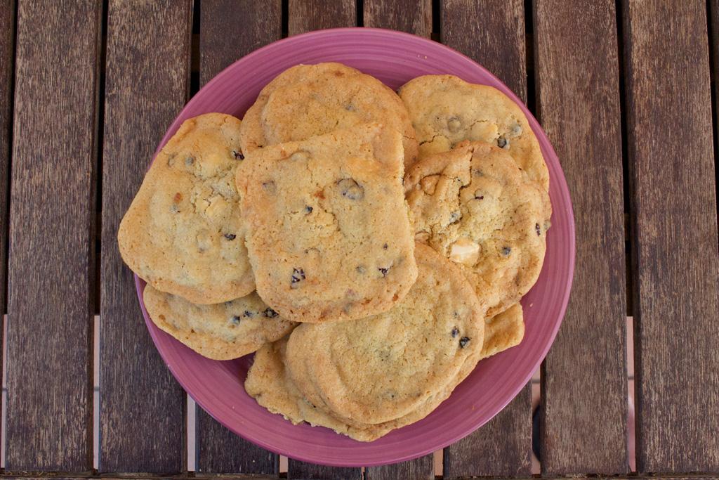 cookies_cioccolato_bianco_frutti_rossi